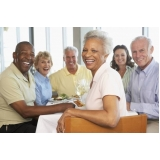 acomodação para idosos com equipe médica preço Água Funda