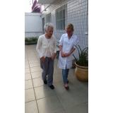 clínica dia para idosos com AVC